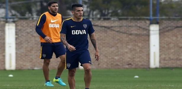 Sem acordo com o Boca Juniors, Centurión viajou para a Itália