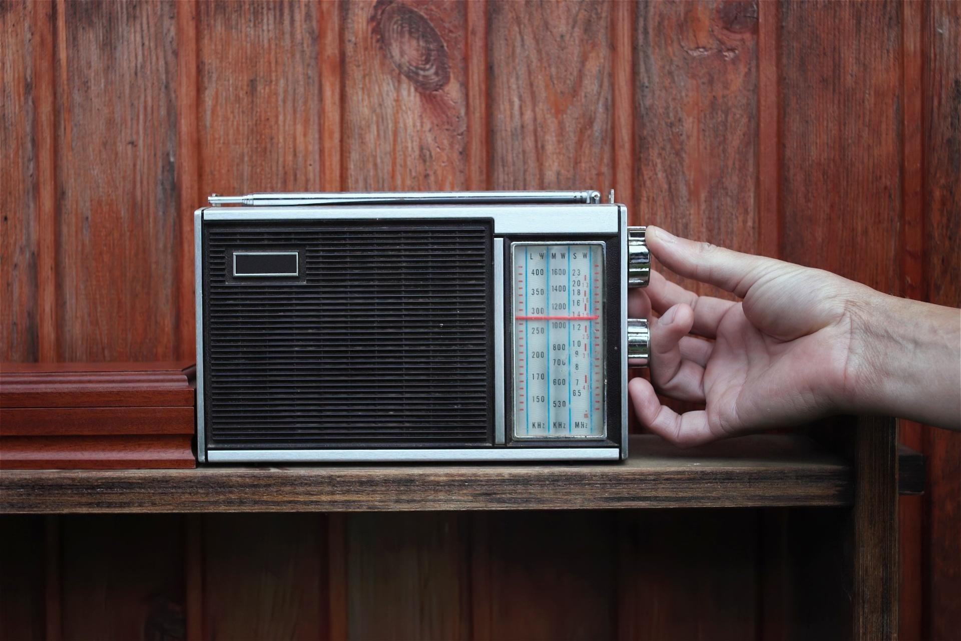 Resultado de imagem para Rádio AM
