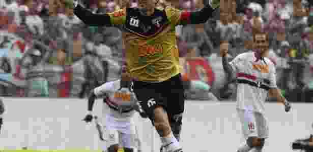 Rogério Ceni celebra o centésimo gol da carreira no clássico entre São Paulo e Corinthians - Luiz Pires/VIPCOMM