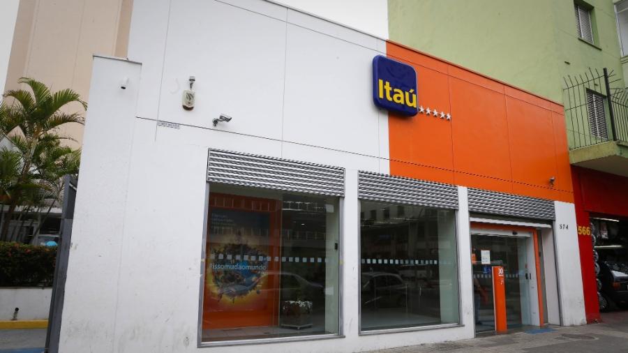 Ao todo, 37 mil micro e pequenas empresas clientes do Itaú receberam o total de R$ 3,7 bilhões - Zanone Fraissat/Folhapress