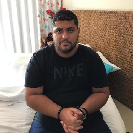André de Oliveira Macedo, conhecido como André do Rap, ao ser detido em Angra dos Reis - Arquivo pessoal