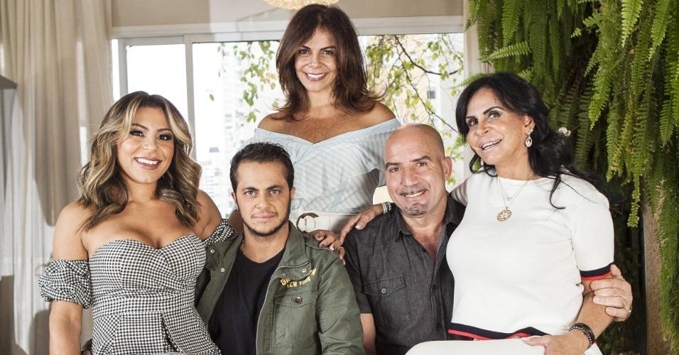 A família reunida do reality Os Gretchens - Sula Miranda, Gretchen, Thammy Miranda