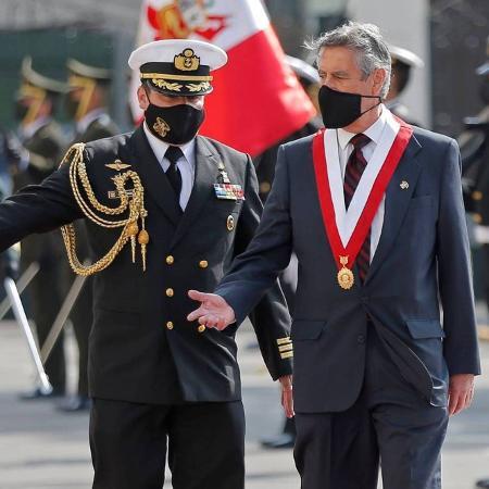 Francisco Sagasti (dir.) anunciou quarentena total para Lima e para um terço do país - Luka Gonzales - 17.nov.20/AFP