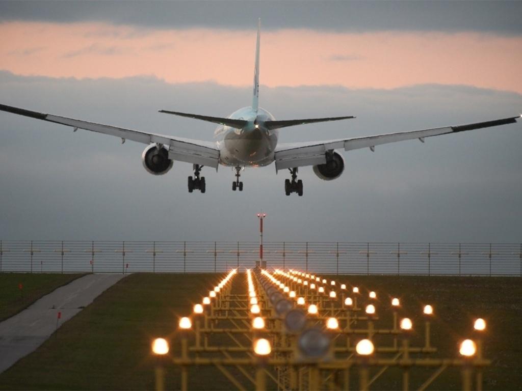683161e7ae8 Leilão de 12 aeroportos será em 15 de março  lance mínimo será de R  219 mi  - 29 11 2018 - UOL Economia