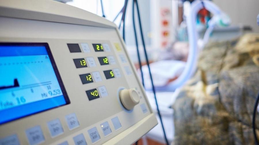 Mais de 3,6 mil respiradores estão fora de operação no País; cada um deles poderia atender até dez pessoas - iStock