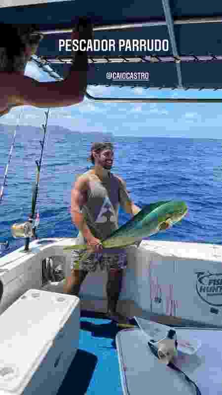 Caio Castro pesca peixão em Fernando de Noronha - Reprodução/Instagram - Reprodução/Instagram