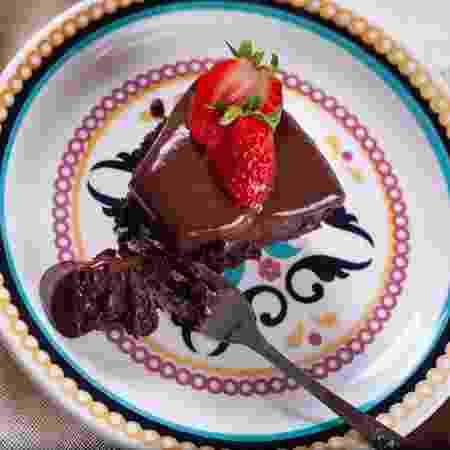 Torta de chocolate com morangos   - Arquivo pessoal