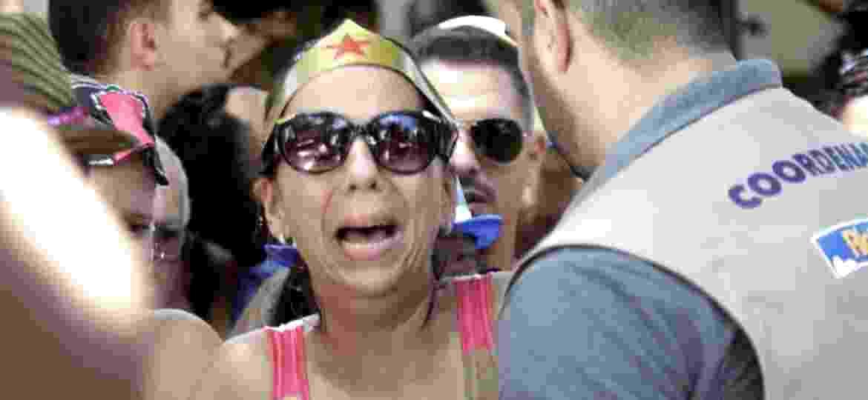 Mulher se desespera em confusão no Bloco Desliga da Justiça, no Rio de Janeiro - Marcelo de Jesus/ Divulgação