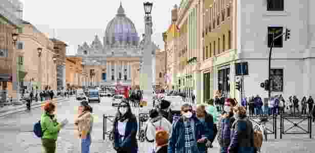 Pedestres em Roma, Itália - Getty Images