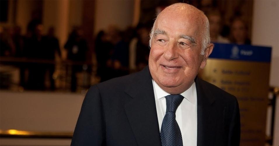O banqueiro Joseph Safra
