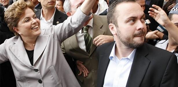 Dorneles ao lado de Dilma em outubro de 2010, na campanha eleitoral daquele ano