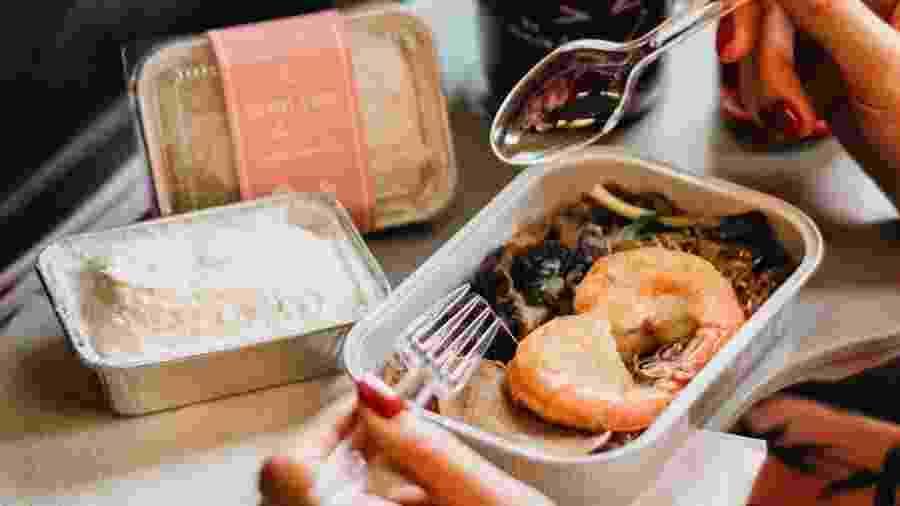 A AirAsia garante que a comida do restaurante é igual a que servem nos voos - Instagram/santan.asean
