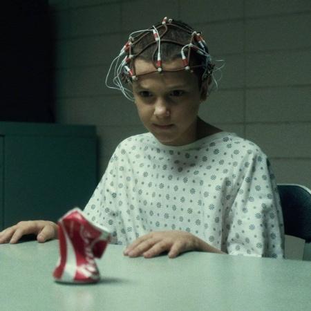 """Millie Bobby Brown está filmando a segunda temporada de """"Stranger Things"""" - Divulgação"""