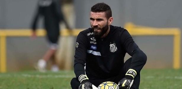 Goleiro Vanderlei deve ser a principal novidade do Santos nesta quarta-feira