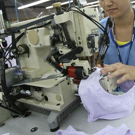 Indústria têxtil; mídia indoor - Folhapress