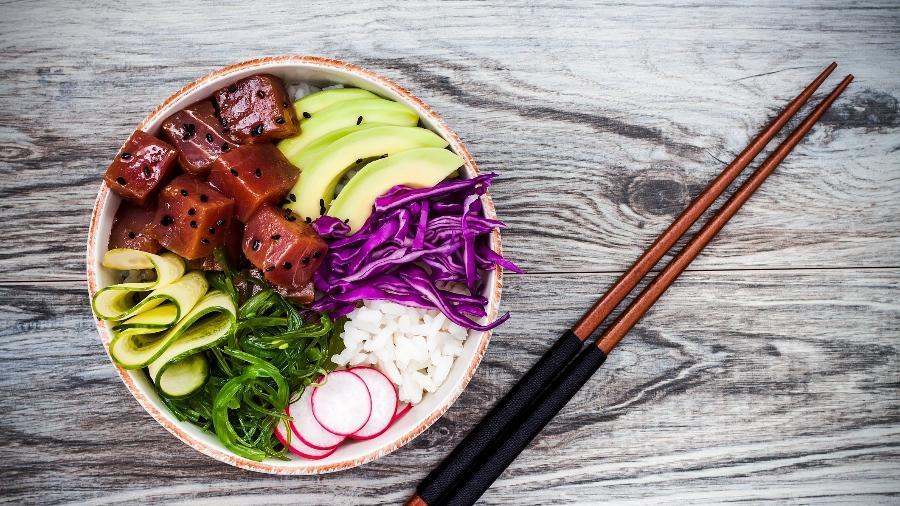 Tigela de Poke: saudável e perfeita para o verão - Getty Images