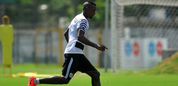 Zagueiro Cleber recebeu proposta do São Paulo. Clubes ainda negociam