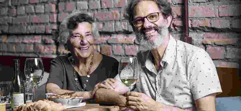 Raffaela e Angelo Lorenti provam o Bacalhau à Molicata - Keiny Andrade/UOL