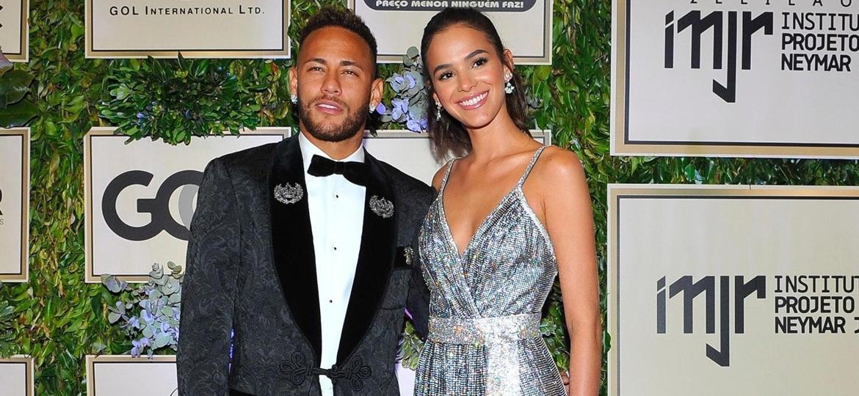 Bruna Marquezine e Neymar chegam juntos a evento promovido pelo Instituto Neymar Jr., em São Paulo, nesta quinta-feira (19) - Imagem/Brazil News