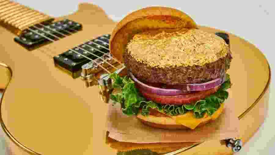 24-Karat Gold Leaf Burger, do Hard Rock Cafe - Divulgação/Hard Rock Cafe