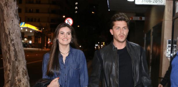Klebber Toledo admite estar apaixonado pela atriz Camila Queiroz - AgNews
