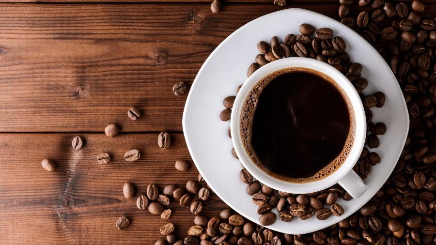 Robô consegue fazer até 60 tipos diferentes de café - iStock