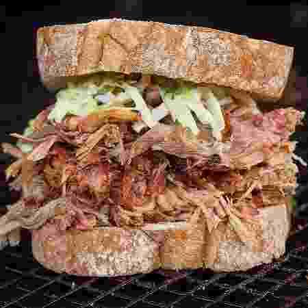No churrasco ou no lanche da tarde, pulled pork faz sucesso - Tricia Vieira/Divulgação