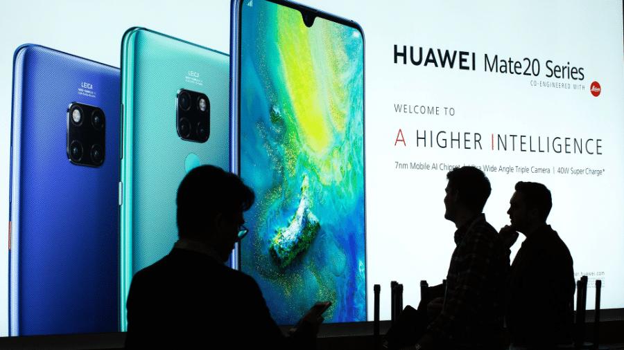 Chinesa Huawei mira supremacia em smartphones neste ano - DAVID MCNEW / AFP