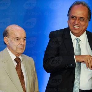 O vice-governador do Rio de Janeiro, Francisco Dornelles (à esq.), ao lado de Pezão