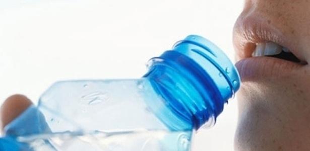 Quantidade de água que deve beber por dia depende só da sua sede