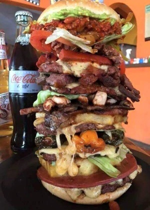 O sanduíche Locomotora Recargada - Reprodução/Facebook
