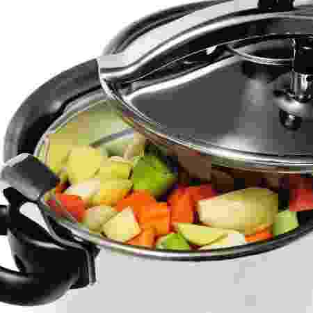 Panela de pressão com legumes, getty - Getty Images - Getty Images