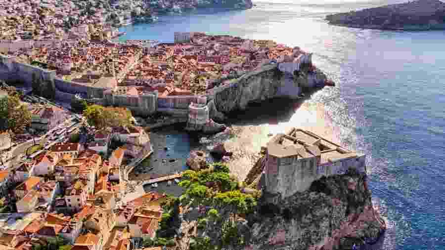 Vista aérea da fortaleza de São Lourenço, na cidade velha de Dubrovnik - Getty Images