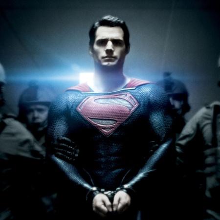 Henry Cavill como Superman - Divulgação