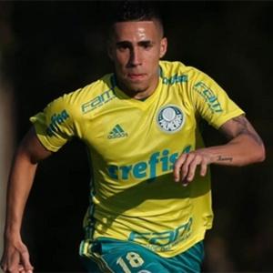 """Volante Gabriel diz que renovação com o Palmeiras """"caminha bem"""" e quer levar clube ao Mundial"""
