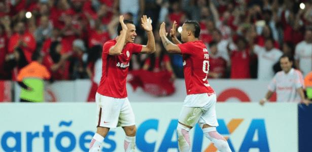 Leandro Damião está mantido no time titular do Internacional contra o Londrina