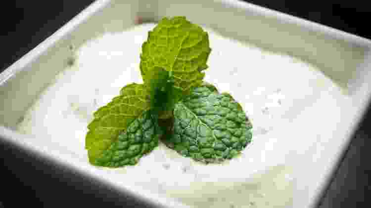 Maionese e hortelã são a base do molho verde de iogurte - Getty Images/iStockphoto