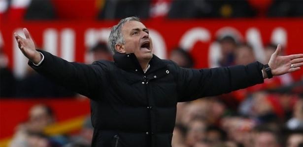 Mourinho foi expulso de campo três vezes no último ano no Campeonato Inglês - Reuters