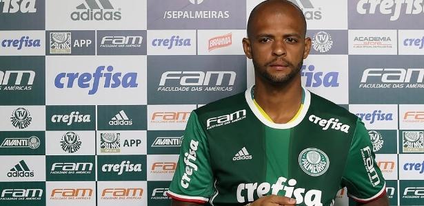Felipe Melo foi registrado como novo reforço do Palmeiras para a temporada 2017