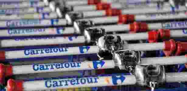 A parceria faz parte da estratégia de diversificação das operações do Carrefour - Philippe Huguen/AFP
