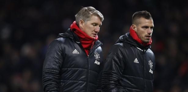Schneiderlin (dir.) foi preterido por Mourinho no United