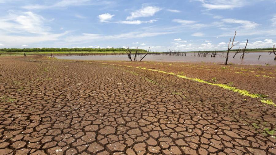 Estiagem longa e longo período sem fortes chuvas provocaram o esvaziamento do rio Paranapanema, na divisa dos estados de São Paulo e Paraná - Rubens Cardia/Folhapress
