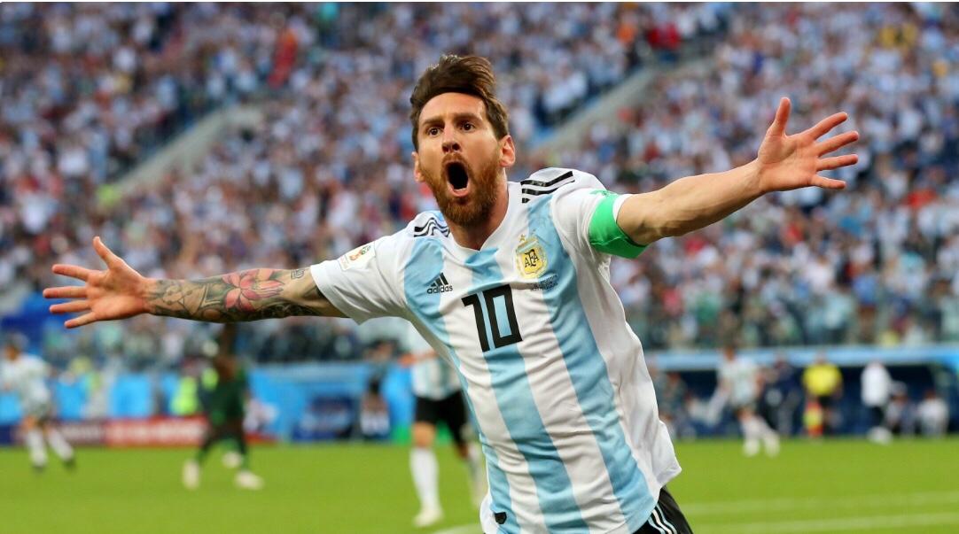 A Argentina começava a ganhar vaga nas oitavas de final para enfrentar a  França 2eac95c4b590d