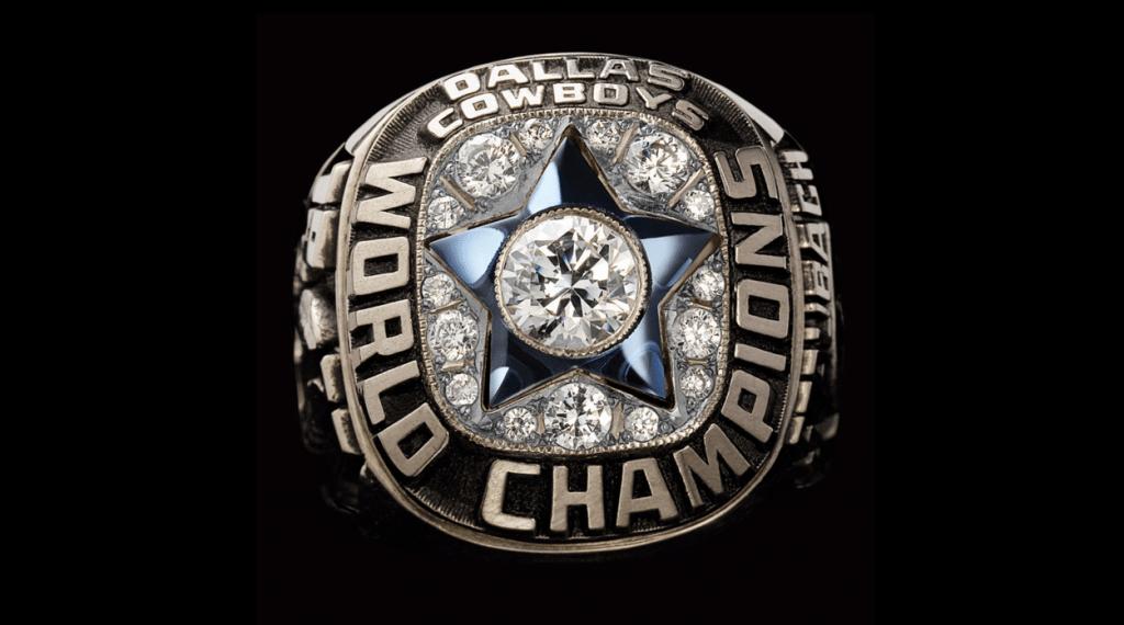 Anel recuperado, feito em ouro branco e diamantes - Reprodução NFL.com