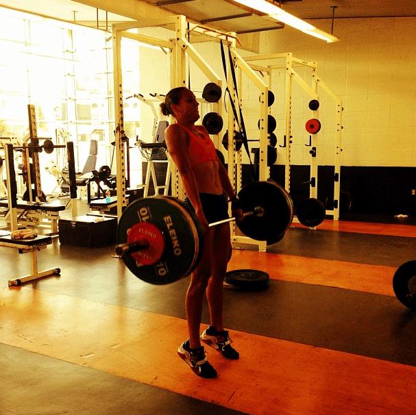 Lolo Jones faz musculação -  Reprodução Instagram Lolo Jones