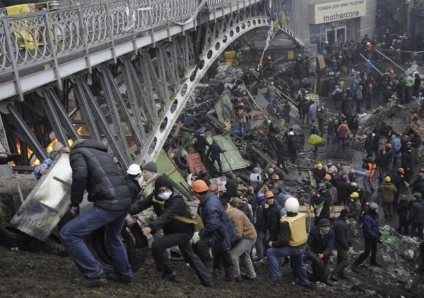 Manifestantes ocupam a praça da Independência em Kiev, na Ucrânia - foto: Maks Levin/Reuters
