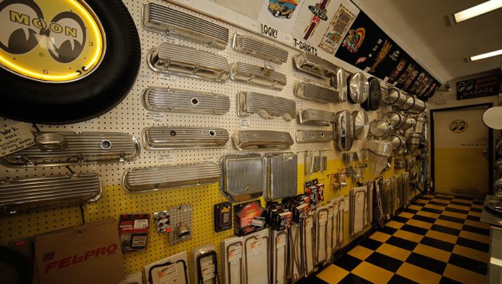 Peças da Mooneyes são objeto de desejo entre fãs de Hot Rod e customizadores. (Foto: Bufalos)