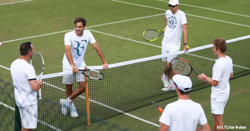 ATP em Wimbledon  Federer e  sacadores  de um lado 4feab7b00e75e