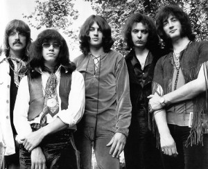 Primeira foto de divulgação da então nova formação do Deep Purple, em 1969: a partir da esq., Jon Lord, Ian Paice. Ian Gillan, Ritchie Blackmore e Roger Glover