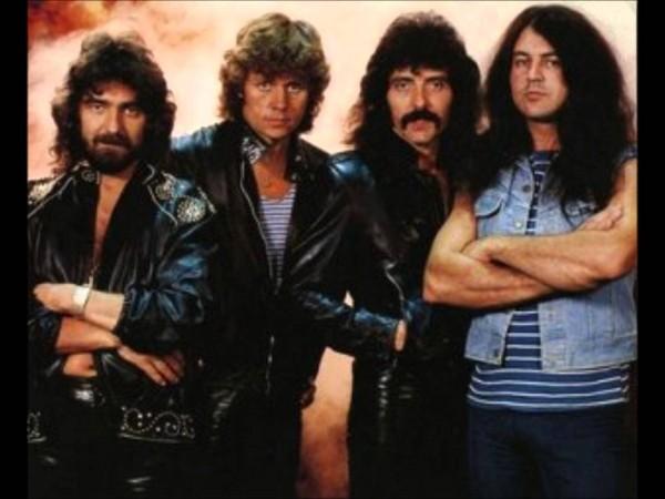 Black Sabbath na turnê de 1983/1984: da esq. para a dir., Geezer Butler (baixo), Bev Bevan (bateria), Tony Iommi (guitarra) e Gillan (FOTO: DIVULGAÇÃO)